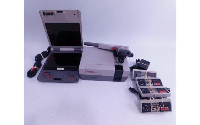 Lot #77 Nintendo NES + 8 Games - 2/6