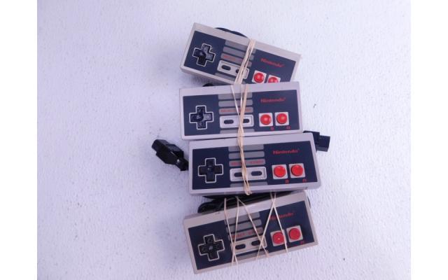 Lot #77 Nintendo NES + 8 Games - 4/6