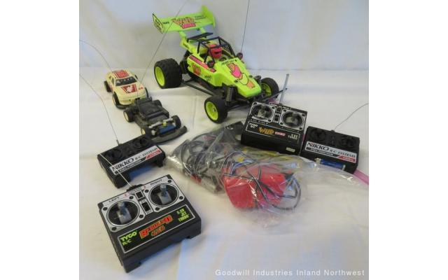 Lot #98 5lb. Grab-Bag of RC Cars/Controllers - 1/6